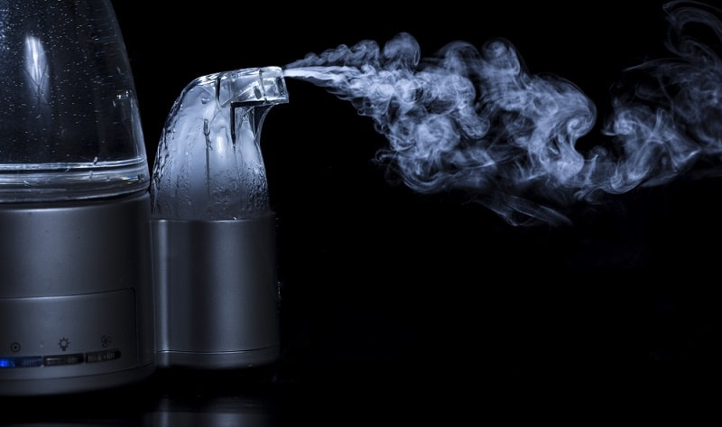 dùng máy khuếch tán tinh dầu phun sương