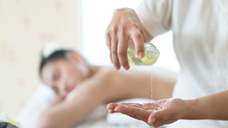 dầu dẫn để masage